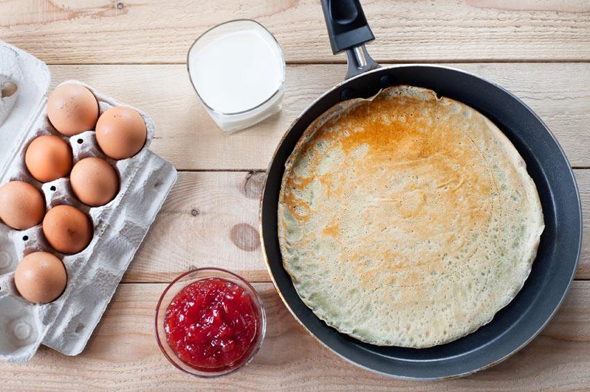 Ein köstlicher Pfannkuchen aus frischen Freilandeiern