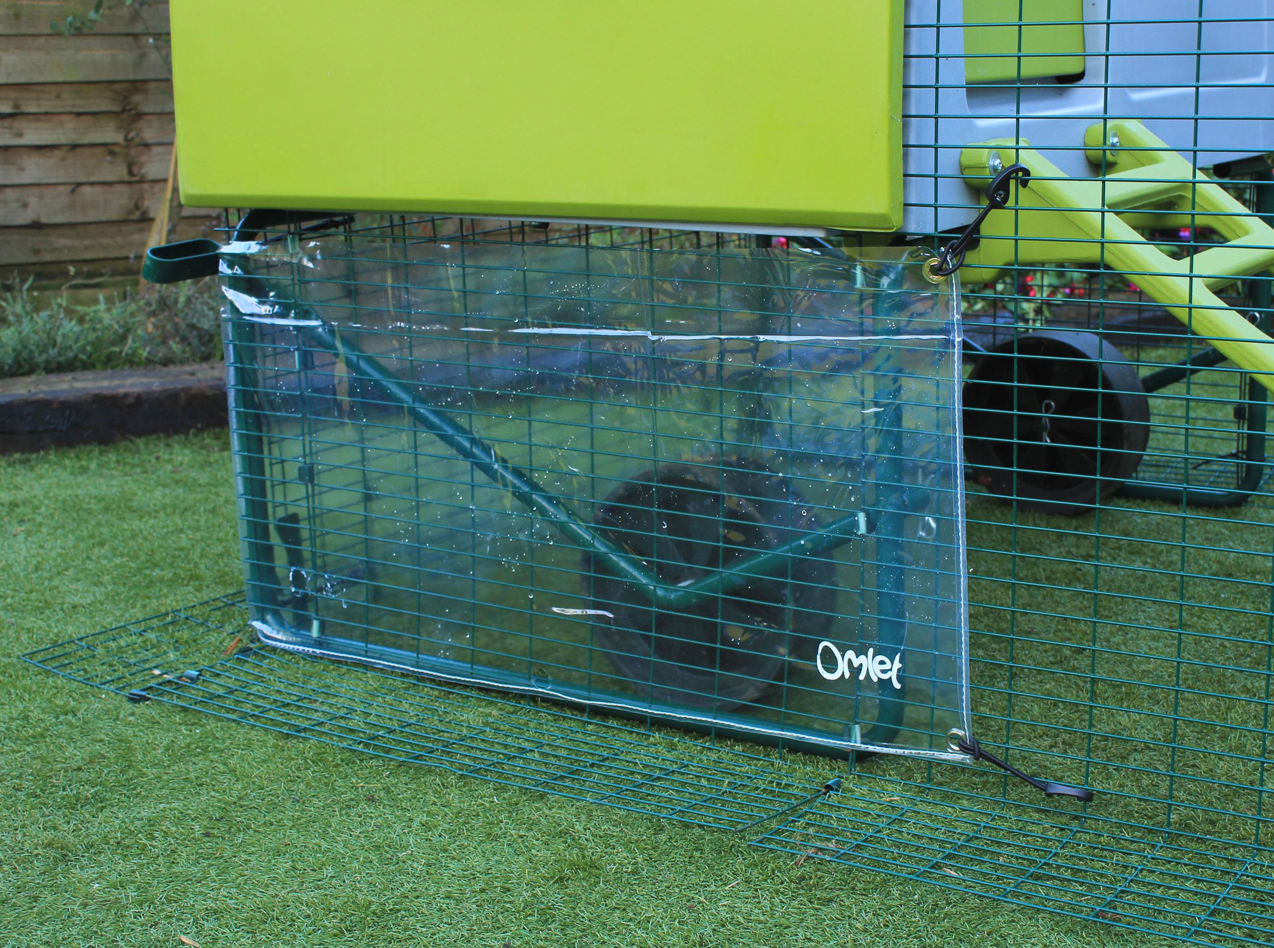 Klarsichtcover für Eglu Cube Mk1 Hühnerstall / Windschutz | Eglu  Wetterschutz | Hühnerställe & Hühnerzubehör | Omlet